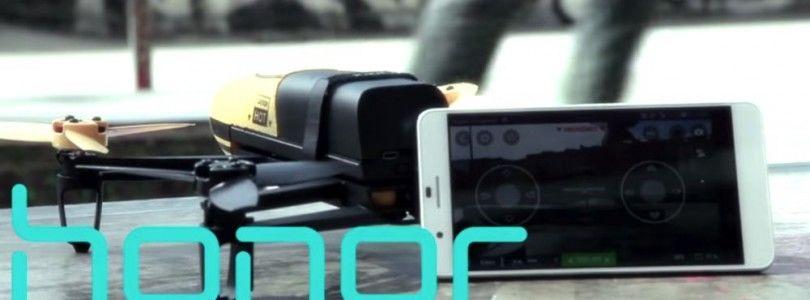 Parrot Bebop graba el FISE 2015 controlado con un Huawei Honor 6+