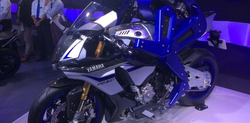 Yamaha presenta un robot capaz de conducir una motocicleta mejor que los humanos