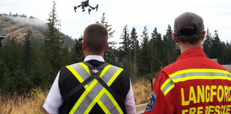 Bomberos prueban con éxito la supervisión con dron de un rescate de montaña en Canada